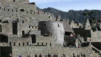 La UNESCO estima que recibir 5.000 visitantes al día en Machu Picchu es más del doble de la cantidad apropiada.