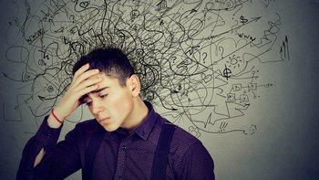 Cada ser humano tiene aproximadamente 60.000 pensamientos al día, de los cuales la gran mayoría son de tono negativo, repetitivos y del pasado