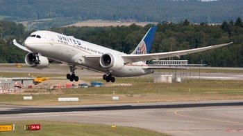 Los aviones de pasajeros, como este Boeing 787-800 Dreamliner, requieren una enorme cantidad de energía para el ascenso y para mantenerse en el aire.