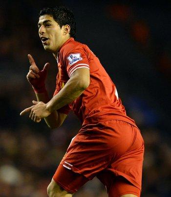 En Liverpool, fue goleador de la Premier League 2013/14 y Bota de Oro de Europa, con 31 goles