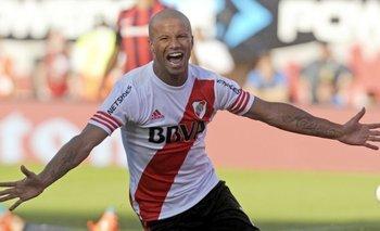 Carlos Sánchez<br>