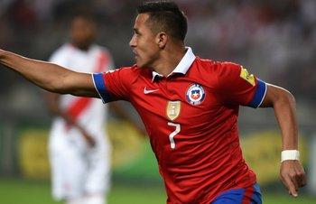 Alexis Sánchez le hizo dos goles a Perú