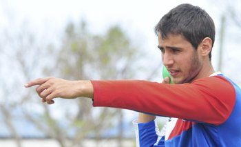 Sebastián Gorga intenta un lanzamiento de bala.<br>