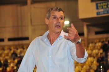 Álvaro Tito el DT de Trouville<br>