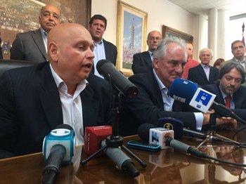 Rodríguez y Ache en la ceremonia de cambio de mando