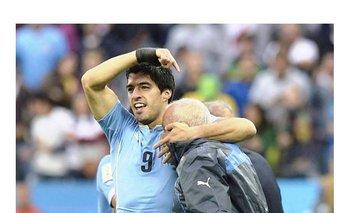 Suárez y su dedicatoria del gol a los ingleses a Ferreira