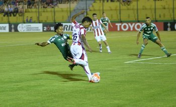 Ze Roberto jugando en Palmeiras ante River Plate