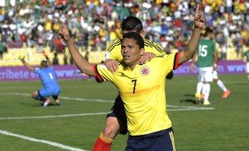 Bacca celebra el segundo gol colombiano<br>