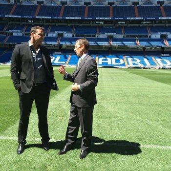 Ignacio Ruglio con Emilio Butragueño en Real Madrid