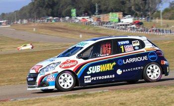 Fernando Rama (Peugeot 208) reaccionó a tiempo al vencer de punta a punta en Mercedes.