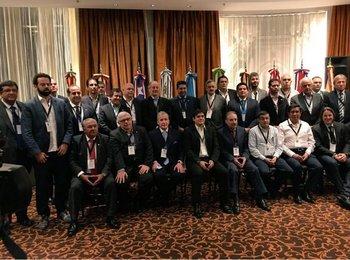La primera reunión de la Liga Sudamericana de Clubes en Montevideo con todos los participantes