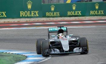 Lewis Hamilton, logró su cuarto triunfo sucesivo en la temporada<br>