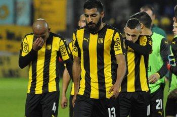 La derrota de Peñarol ante Luqueño pegó duro
