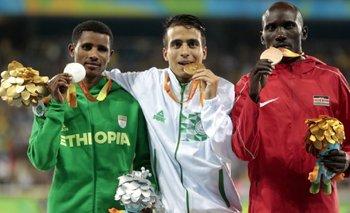 El podio de los 1.500 paralímpicos, más rápido que el campeón olímpico