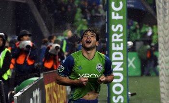 Lodeiro festeja uno de sus goles