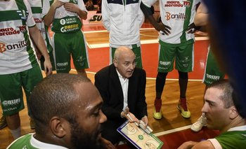 Héctor Da Pra da indiciaciones a los jugadores de Urunday