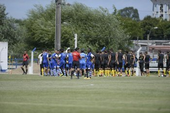 Incidentes entre jugadores de Juventud y Peñarol