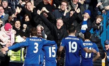 Chelsea ganó a Arsenal, 3-1 y camina hacia el título de la Premier League<br>