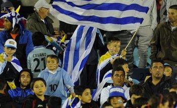 Los hinchas de Uruguay volverán a las tribunas