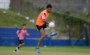 El Loco Abreu en el Palermo entrenando con su nuevo club, Central Español<br>