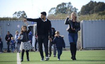 Suárez, su señora y dos hijos<br>