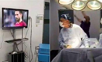 Los cirujanos viendo los penales