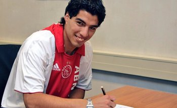 La firma de Suárez en Ajax
