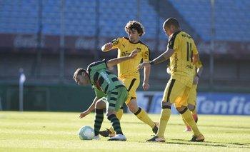 Corujo y Pereira se disputaron el lugar que dejó Estoyanoff en el equipo titular