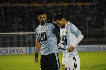 Suárez y Messi promocionaron el Mundial 2030 en partido Uruguay-Argentina del 31 de agosto<br>
