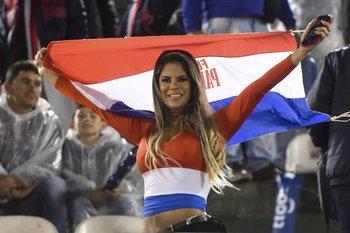 Las hinchas de Paraguay también se hicieron presentes.