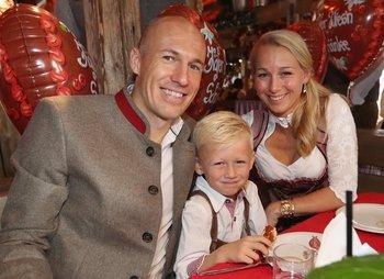 Arjen Robben junto a su familia
