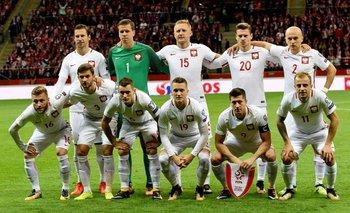 La formación de Polonia, que ganó 4-2 a Montenegro y clasificó a la Copa del Mundo <br>