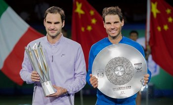 Federer y Nadal en la premiación de Shanghai