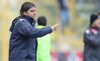 El uruguayo Diego López asumió como DT de Cagliari