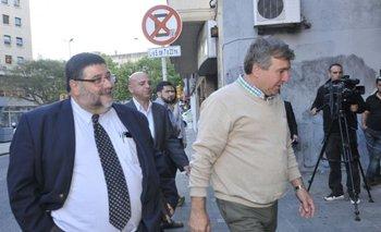 Pérez Lauro en la sede de la AUF con Álvaro Chijane