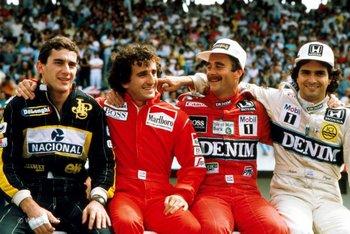 Prost, segundo desde la izquierda, junto a Senna, Mansell y Piquet<br>