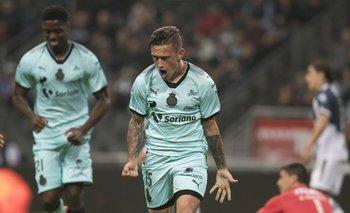 Brian Lozano celebra su gol ante Monterrey