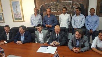 Medina, sus colaboradores y los directivos de Nacional
