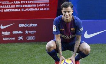 Coutinho con la camiseta del Barça en el Camp Nou