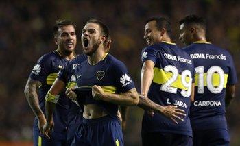 Nandez festeja su golazo ante Colón