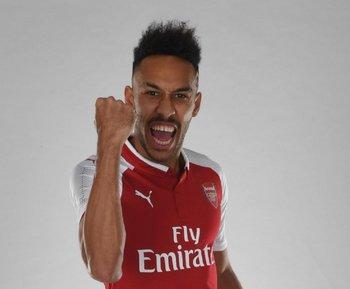 Aubameyang con la camiseta de Arsenal