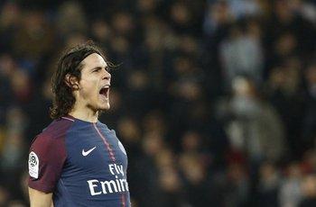 Edinson Cavani, marcó dos goles ante Estrasburgo<br>