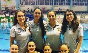 Florencia Rodrigo, la segunda de arriba a la izquierda, junto a las demás entrenadoras de España <br>