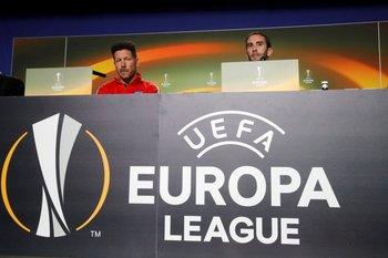 Simeone y Godín en la conferencia previa al partido ante Sporting
