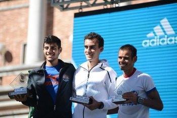 El podio de 21K masculinos: Castillo, Geymonat y Sosa