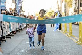 <div>Rossana Motta fue tercera y cruzó la meta acompañada</div>