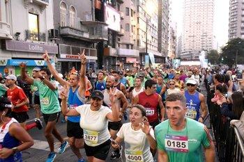Más de 4.000 atletas disputaron la Maratón de Montevideo