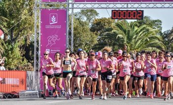 Largada de la 5K contra el cáncer de mama