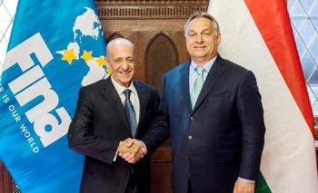 Julio César Maglione, presidente de FINA, y Viktor Orban, primer ministro de Hungría