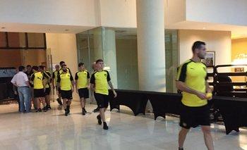 Jugadores de Peñarol en el hotel de Tucumán